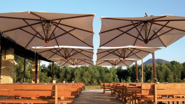 Ombrelloni da esterno per bar e ristoranti - Spillantini srl