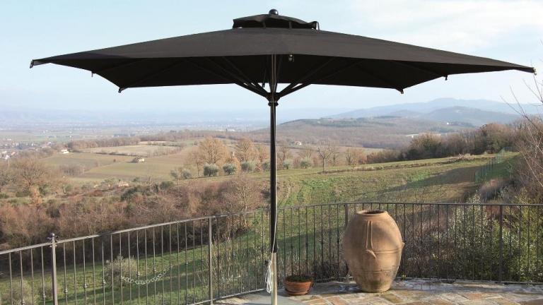 Grandi ombrelloni da giardino - Spillantini srl