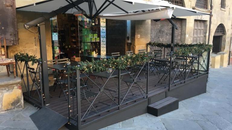 Pedana in legno per dehors bar ristoranti spillantini - Pedana da giardino ...
